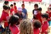 Garrett McNamara foi muito requisitado pelas crianças na Praia de Faro (®WaxRestobar)