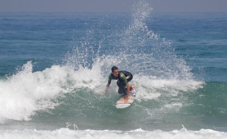 Redução na idade do Projunior Europeu precipita avanço do surfista algarvio para o QS (®PauloMarcelino/arquivo/Bordeira/Agosto2015)