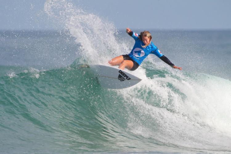 Camilla Kemp foi vice-campeã em Lacanau. A portuguesa não chegava a uma final Projunior Europeu desde 2013 (®WSL/LaurentMasurel)