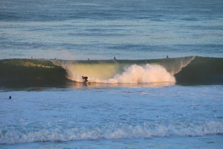 'Line up' em Lacanau no domingo, dia em que Francisco Duarte perdeu, numa prova sempre afetada pelo vento (®WSL/LaurentMasurel)