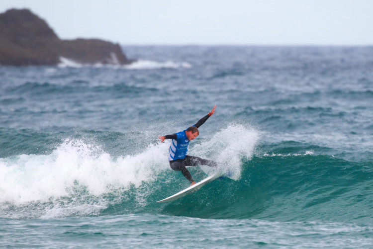 Marlon competiu em condições muito difíceis para o seu estilo de surf e massa corporal (®WSL/LaurentMasurel)