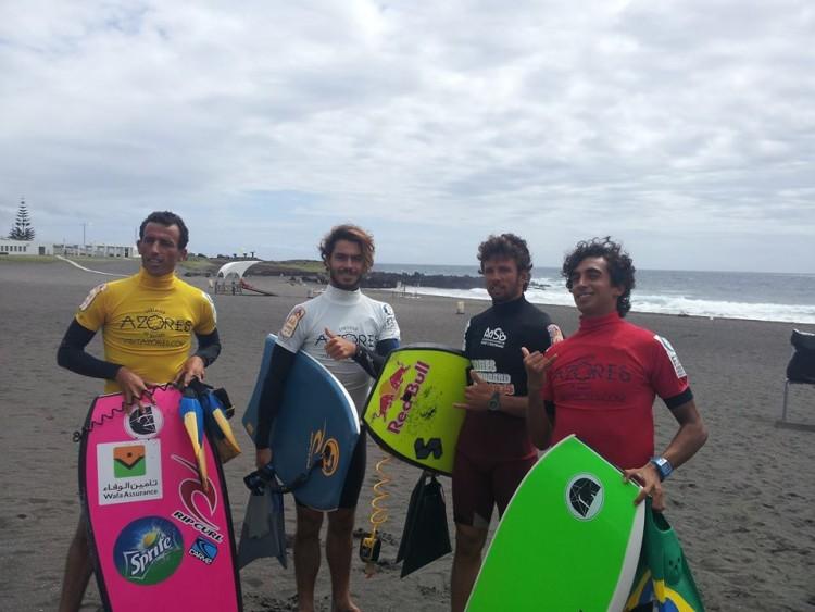 Os 4 finalistas ETB na Praia das Milícias, Ponta Delgada, São Miguel, Açores (®AzoresBodyboardFest)