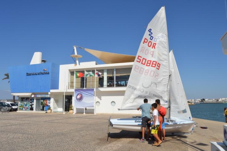Clube Naval de Portimão tinha um 420 em armazém mas não tinha nem perspectivava ter tripulação (®PauloMarcelino)