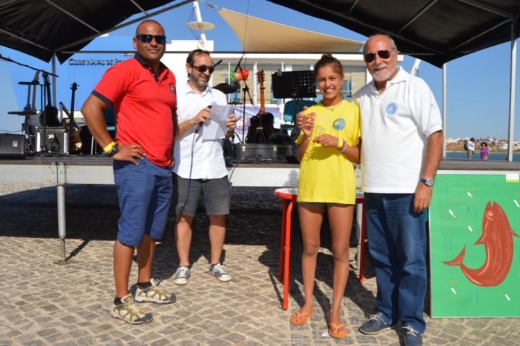Beatriz Gago, Prémio Mérito Desportivo Vela, com elementos da direção do clube (®PauloMarcelino)