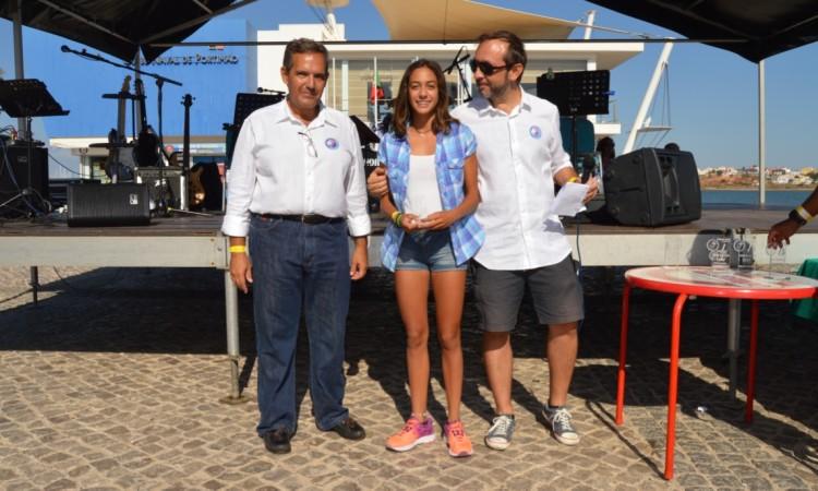 Leonor Mestre, Prémio Mérito Desportivo Canoagem, com elementos da direção do clube (®PauloMarcelino)