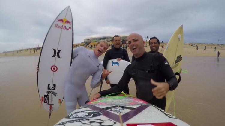 'Faro crew' em Supertubos com Kolohe Andino (®DireitosReservados)