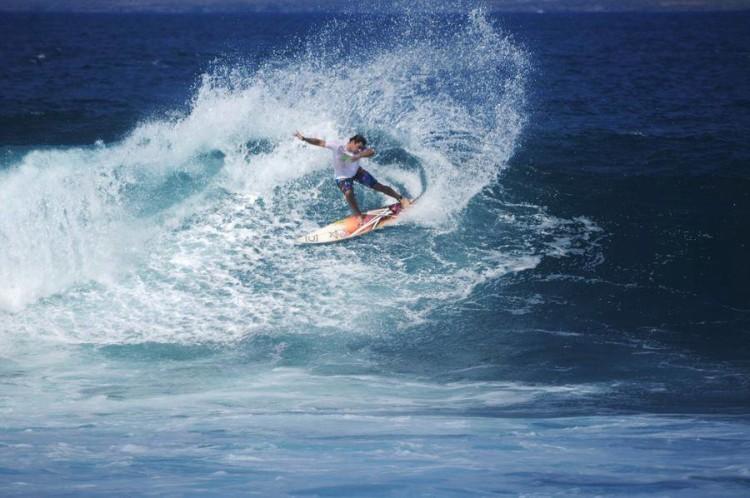 Surfista aljezurense Ricardo Costa, fundador da marca que agora procura um atleta para patrocinar (®DireitosReservados)