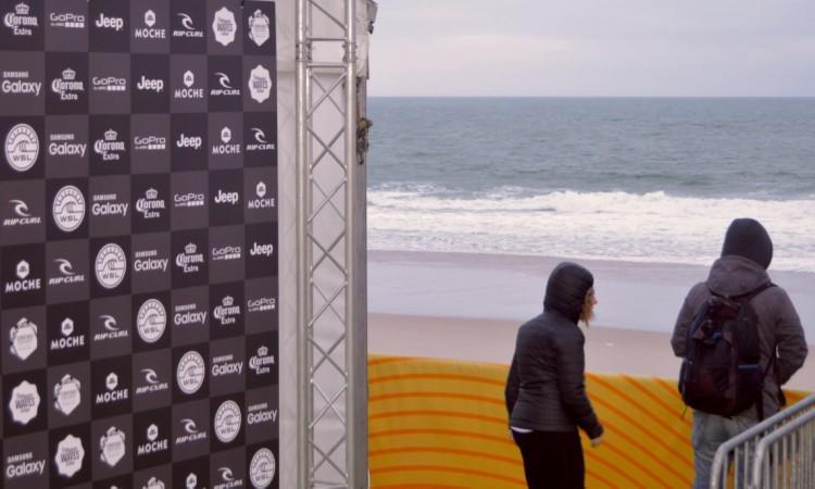 Chove água do mar sobre a estrutura do campeonato (®PauloMarcelino)