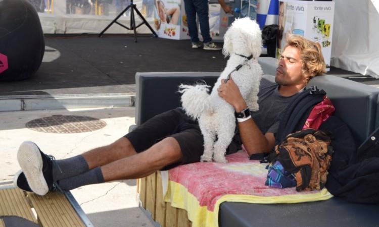 Eduardo Fernandes num momento de descontração, hoje, em Carcavelos (®PauloMarcelino)