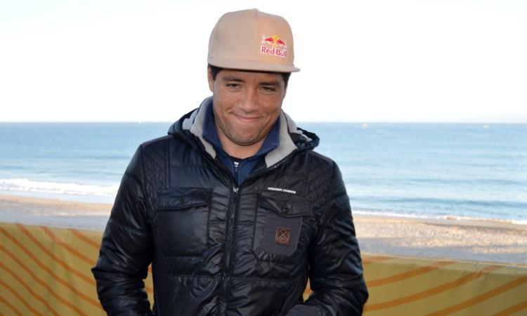 """""""Portugal é uma grande oportunidade para voltar à liderança e levar a decisão do título para Pipeline"""", disse Adriano de Souza (®PauloMarcelino)"""