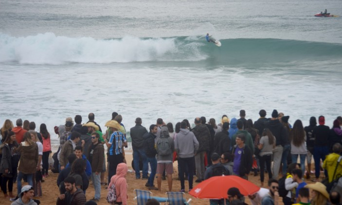 Moche Rip Curl Pro Portugal | 25-10-2015 | Supertubos | Praia cheia a ver… C. J. Hobgood (®PauloMarcelino)
