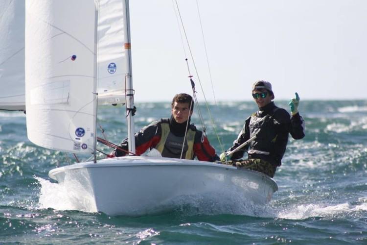 A experiente tripulação Martim Sancho & Afonso Correia, de Faro, venceu em 420 (®GCNFaro)