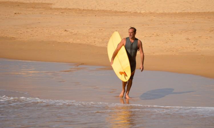O veterano surfista local da Praia da Rocha é adepto do Longboard Single Fin (®PauloMarcelino)