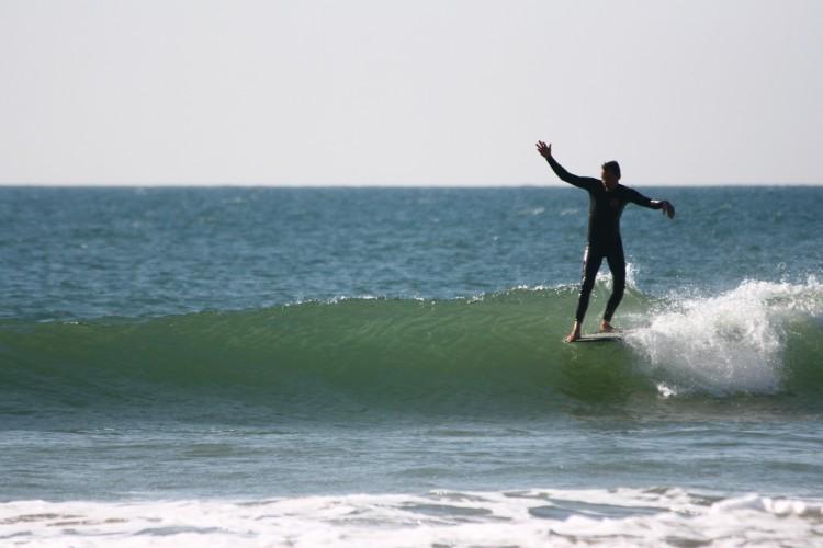 Dan Costa faz surf há 24 anos e é entusiasta das linhas clássicas (®DireitosReservados)