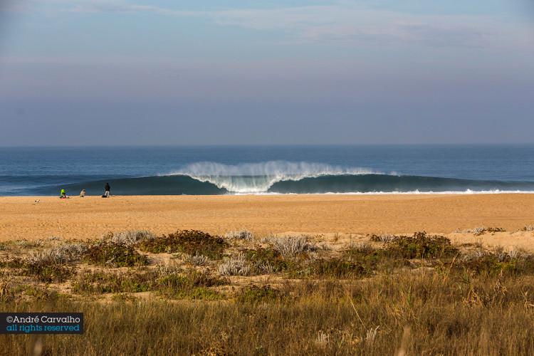 Praia do Norte, na Nazaré, vai receber em 2016 a 5ª edição do Allianz Capítulo Perfeito powered by Billabong (®AndreCarvalho)