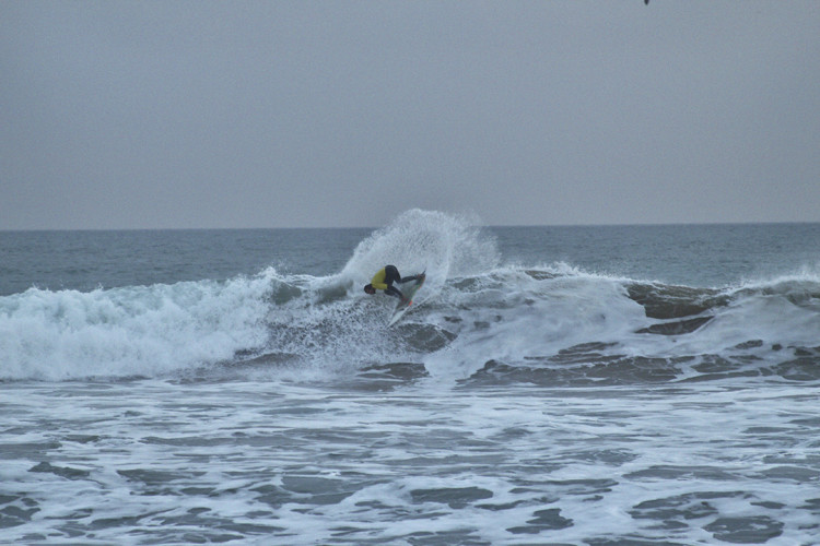 Ivan Bailote, vencedor Open do Campeonato Surf Intersócios 2015 do Albufeira Surf Clube (®PedroAlexandre)