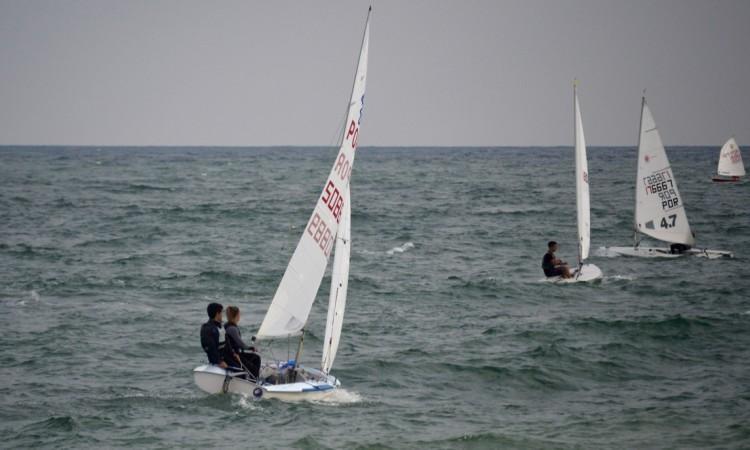 PAR Optimist Juvenil conta nas Classes Laser, 4.7 e Radial, e 420 para o Campeonato do Algarve de Vela Ligeira (®PauloMarcelino/Arquivo)