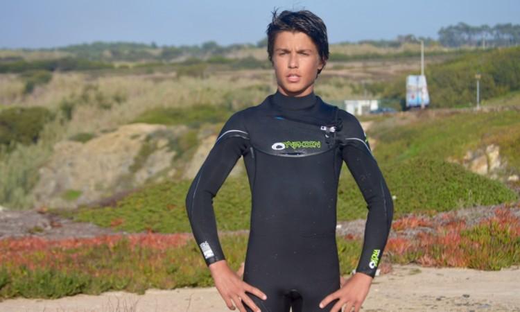 Ricardo 'Ricky' Augusto já recebeu dois fatos novos Typhoon, para o inverno, e está satisfeito com a qualidade (®PauloMarcelino)