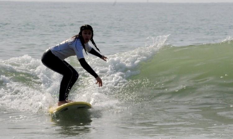 O surf escolar é um importante incentivo à prática desportiva e uma porta de entrada para a modalidade (®DR)