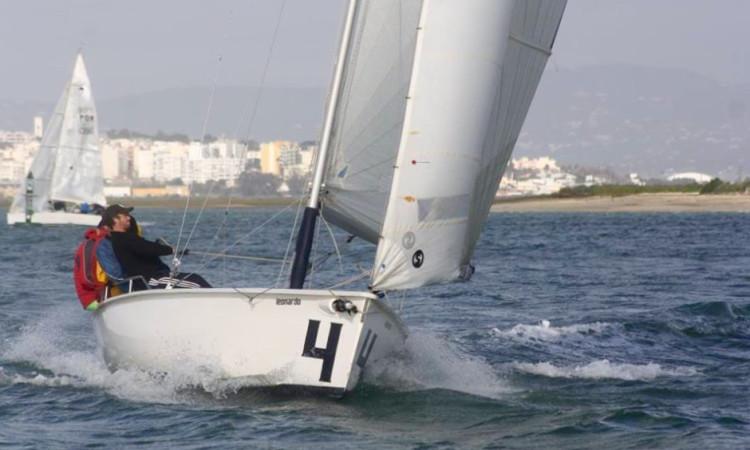 'Leonardo's' lidera o rankingo no troféu: foi 2º na regata deste domingo e venceu a regata inaugural, em dezembro (®GCNF)