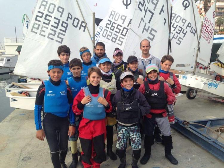 Equipa Portuguesa em Torrevieja, com o treinador Nuno Silva, do GCNFaro, ao fundo, à direita (®OptimistPortugal)