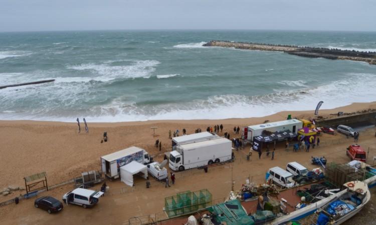Condições muito difíceis, hoje, na Praia dos Pescadores (®PauloMarcelino)