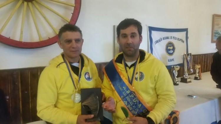 Rui Vitorino e Rui Inácio, campeões da II Divisão Regional Sul de Pesca de Praia (®DR)