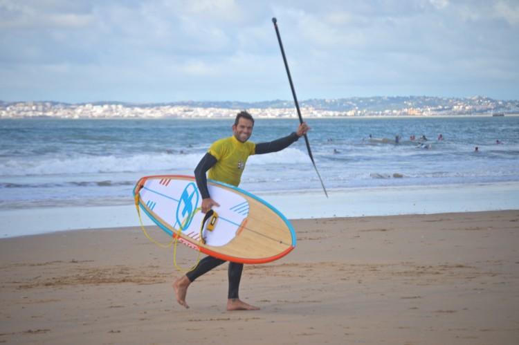 Arnaud Dussen venceu todos os campeonatos da Malta em SUP Wave. Alguém consegue destronar o rei do Stand Up Paddle? (®PauloMarcelino/Arquivo)