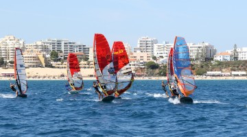 The European Formula Windsurfing Championship Masters, Youth and Women will be held in Portimão between the 17th and the 22nd of May (®CarlosAlmeida)