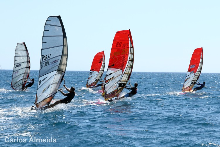The Algarve offers good conditions for windsurfing (®CarlosAlmeida)
