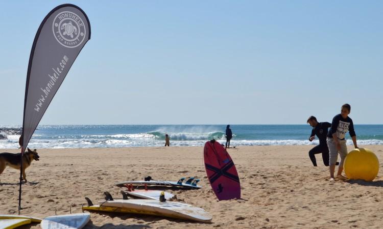 Campeonato teve ondas boas na Praia da Rocha, sobretudo, durante a manhã (®PauloMarcelino)