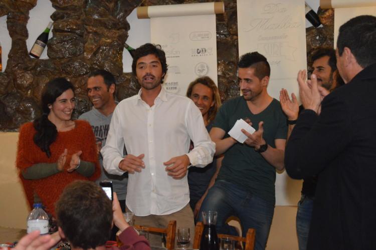 O jantar/gala do evento é sempre uma festa, como mostra este momento de 2014, um aplauso ao mentor do campeonato, Francisco Canelas, que venceu nesse ano (®PauloMarcelino/Arquivo)