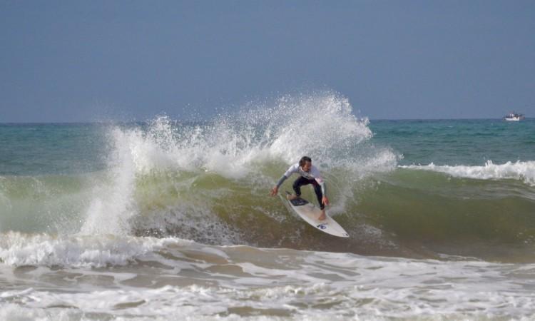 Gustavo Gouveia, 'Guga' mostrou surf de grande nível, apesar dos seus 43 anos (®PauloMarcelino)