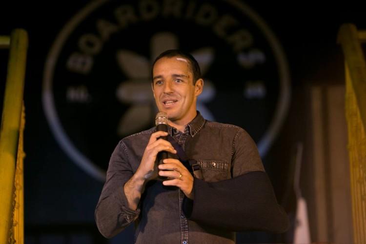 Tiago Pires no momento da despedida (®ZeGuerra)