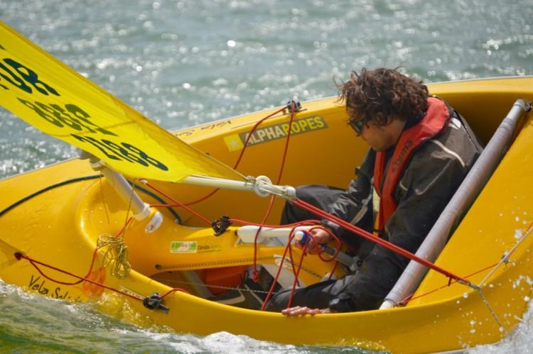 João Pinto num Access 303 Singulares, classe em que foi campeão nacional e vice-campeão europeu (®PauloMarcelino/Arquivo)
