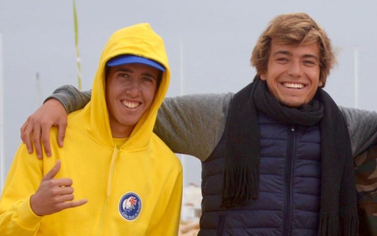 Francisco Duarte (à esquerda) e Jakob Lilienweiss vão fazer, no Zarautz Pro, a sua estreia no circuito QS (®PauloMarcelino/Arquivo)