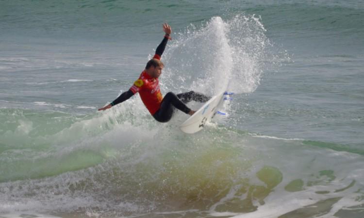 Marlon Lipke, em ação em Carcavelos, no Montepio Cascais Pro, etapa da Liga Moche em outubro do ano passado (®PauloMarcelino/Arquivo)