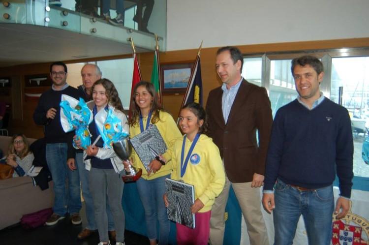 Pódio Feminino, com as algarvias Beatriz Gago e Beatriz Cintra, de amarelo (®FPV)