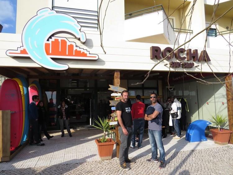 Rocha Surf Shop está na primeira linha da Praia da Rocha (®DR)
