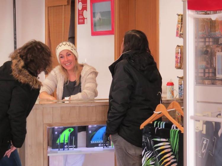 Rocha Surf Shop aposta muito na oferta para mulheres (®DR)