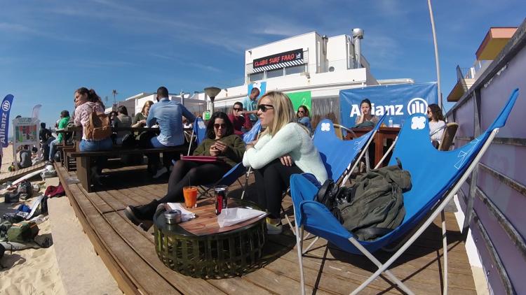 Bom tempo levou muito público à esplanada do WAx Resto-Bar, base logística da etapa (®CSF)