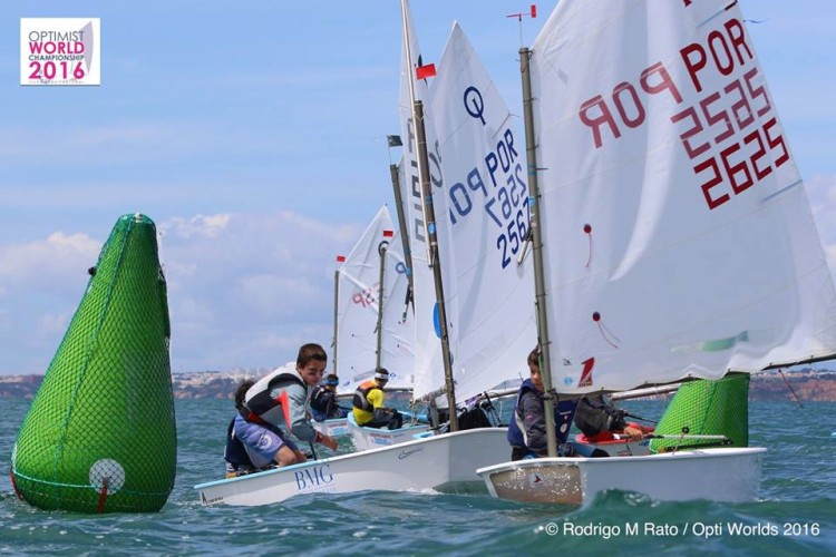 Prova em Vilamoura juntou meia centena de jovens velejadores portugueses, espanhóis e do Koweit (®RodrigoMRato)