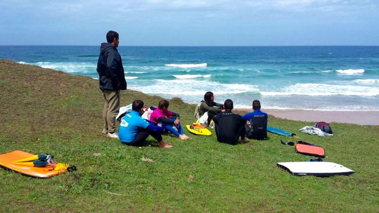 Elementos da equipa Esperanças ABS que vão competir na Nazaré (®ABS)