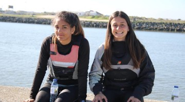 Algarve juniors sailors Daniela Miranda (right), Portuguese 4.7 Girls National Champion; and Bruna Carvalho (left), national runner-up (®FranciscoBorges)