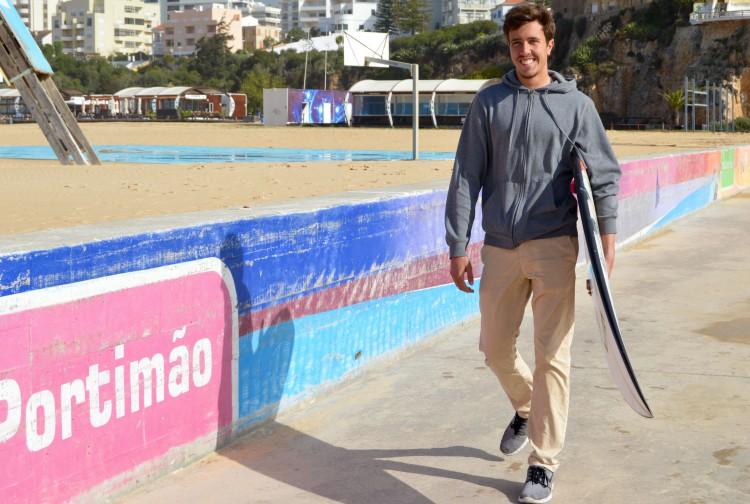 Quinta-feira, 14 de abril. Manhã de surf e de conversa com Francisco Duarte … 'em casa' (®PauloMarcelino)