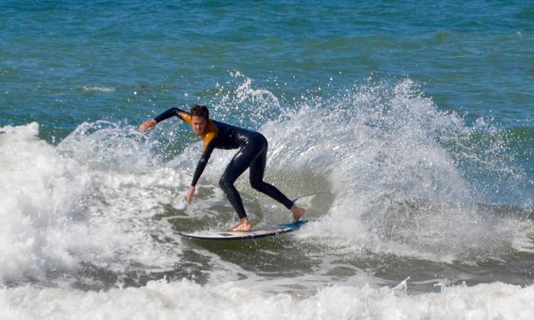Surfista algarvio mudou-se há 4 anos para Lisboa e treina-se com a Academia Profissional de Surf (®PauloMarcelino)
