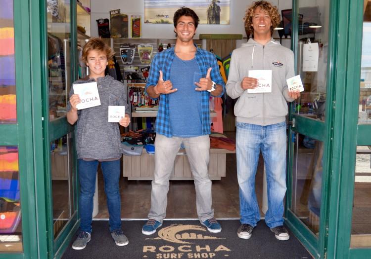 Diogo Pereira e Isaac Felizardo são os primeiros surfistas apoiados pela Rocha Surf Shop (®PauloMarcelino)