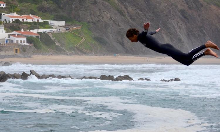 'Martim' Magalhães é conhecido pelo seu jogo aéreo… não como o da imagem, mas não conseguimos obter a foto da manobra com que ganhou no País Basco (®BentoDosSantos/Arquivo)
