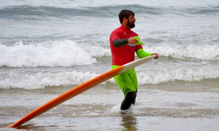 Manuel Mestre surfou sem quilha nos últimos minutos da sua meia-final, que venceu (®PauloMarcelino)
