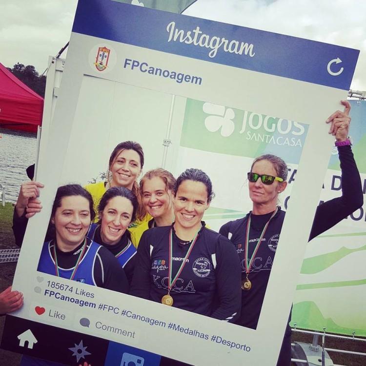 Ana Bebiano e Ana Acuña do KCCArade, de preto, Medalha de Ouro em K2 Vet-A Femininos na Taça de Portugal (®FPC)